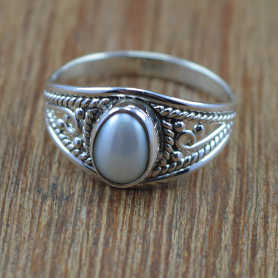 925 Sterling Silver Pearl Gemstone Beautiful Wholesale Jewelry Ring Size 8 WR-4214
